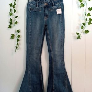NWT Free People Extreme Bell Bottom Jeans Sz. 26